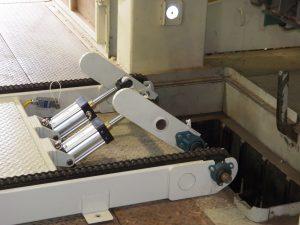 Bale Lift Conveyor
